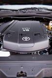 KYIV, UCRÂNIA - 6 de abril de 2017: Motor V8 de Prado do cruzador da terra de Toyota Foto de Stock Royalty Free