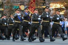 KYIV, UCRÂNIA - 24 DE AGOSTO DE 2016: Parada militar em Kyiv, dedicado ao Dia da Independência de Ucrânia Ucrânia comemora 25o Imagens de Stock Royalty Free