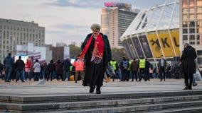 Kyiv, Ucr?nia 19 de abril de 2019 Debate presidencial 2019 do A Est?dio de Kyiv Olympiyskiy foto de stock