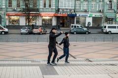 Kyiv, Ucr?nia 19 de abril de 2019 Debate presidencial 2019 do A Est?dio de Kyiv Olympiyskiy fotografia de stock