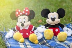 KYIV, UCRÂNIA - 5 de agosto de 2017: a figura de Mickey Mouse e de Minnie Mouse do caráter de Disney Este caráter do ani Foto de Stock Royalty Free