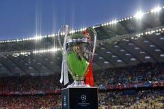 KYIV, UCRÂNIA - 26 DE MAIO DE 2018: Vista geral do troféu da liga dos campeões antes do final da liga de campeões de UEFA do fósf Fotos de Stock Royalty Free