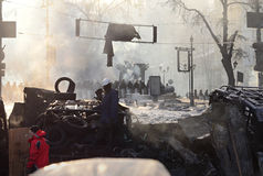 KYIV, UCRAINA – 26 GENNAIO 2014. Barriere dentro  Immagine Stock Libera da Diritti