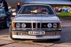Kyiv, Ucraina - 23 aprile 2016: BMW M6 sulla mostra di vecchie automobili - OldCarLand 2016 fotografia stock libera da diritti