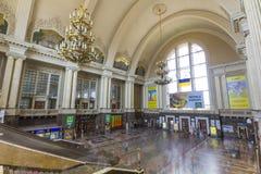 Kyiv, Ucraina - 12 novembre 2017: La stazione ferroviaria centrale è damerino Immagine Stock