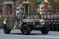 KYIV, UCRANIA - 24 DE AGOSTO DE 2016: Desfile militar en Kyiv, dedicado al Día de la Independencia de Ucrania Ucrania celebra 25t Fotos de archivo