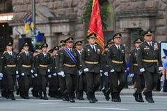 KYIV, UCRANIA - 24 DE AGOSTO DE 2016: Desfile militar en Kyiv, dedicado al Día de la Independencia de Ucrania Ucrania celebra 25t Fotografía de archivo libre de regalías