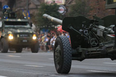 KYIV, UCRANIA - 24 DE AGOSTO DE 2016: Desfile militar en Kyiv, dedicado al Día de la Independencia de Ucrania Ucrania celebra 25t Fotos de archivo libres de regalías