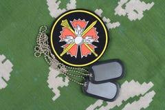 KYIV, UCRANIA - 19 de agosto de 2015 Insignia principal del uniforme de Rusia de la dirección de la inteligencia de GRU Imagen de archivo libre de regalías