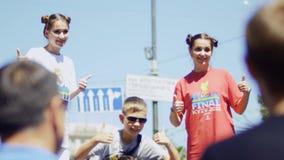 KYIV, UCRANIA - 26 DE MAYO DE 2018: Fans en la zona de la fan - liga 2018 de los campeones metrajes
