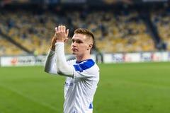 """Kyiv Ukraina †""""November 8, 2018: Viktor Tsygankov stående under för ligamatch för UEFA Europa Kyiv för dynamo †""""Stade Rennais arkivfoton"""