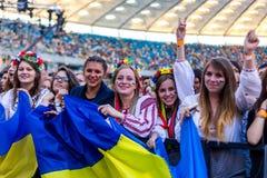 KYIV UKRAINA, CZERWIEC, - 21: Cool fan na koncercie Okean Elzy na J Obraz Stock