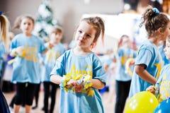 KYIV, UKRAINA GRUDZIEŃ 27: Euro tanów dzieci przyjęcie Fotografia Stock