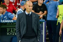KYIV UKRAINA - MAJ 26, 2018: Zinédine Zidane under Uen 2018 royaltyfri foto