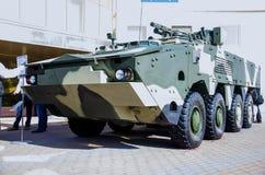 Kyiv Ukraina - Oktober 10, 2018: Bepansrad personalbärare BTR-4MB1 Internationella utställningARMAR OCH SÄKERHET 2018 royaltyfria bilder