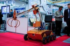 Kyiv Ukraina - Oktober 10, 2018: Fjärrstyrd robotsapper Internationella utställningARMAR OCH SÄKERHET 2018 arkivfoton