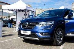 Kyiv Ukraina - September 28, 2018: Renault Koleos royaltyfria foton