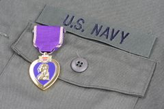 KYIV UKRAINA, Sierpień, - 1, 2016 Purple Heart nagroda na USA marynarki wojennej oliwnej zieleni mundurze fotografia royalty free