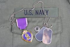 KYIV UKRAINA, Sierpień, - 1, 2016 Purple Heart nagroda na USA marynarki wojennej oliwnej zieleni mundurze zdjęcie royalty free
