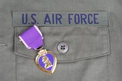KYIV UKRAINA, Sierpień, - 1, 2016 Purple Heart nagroda na USA siły powietrzne oliwnej zieleni mundurze zdjęcia royalty free
