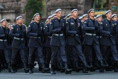 KYIV, UKRAINE - 24 AOÛT 2016 : Défilé militaire dans Kyiv, consacré au Jour de la Déclaration d'Indépendance de l'Ukraine L'Ukrai Photo libre de droits