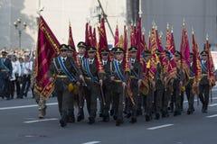 KYIV, UKRAINE - 24 AOÛT 2016 : Défilé militaire dans Kyiv, consacré au Jour de la Déclaration d'Indépendance de l'Ukraine L'Ukrai Photographie stock libre de droits