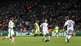 KYIV, UKRAINE - 24. FEBRUAR 2016: Punktspiel UEFA Championes mit Dynamo Kyiv und Manchester City FC Stockbilder