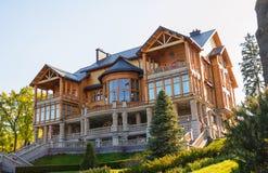 Kyiv, Ukraine Honka - der ehemalige Wohnsitz des Durchgehenpräsidenten von Ukraine Yanukovich lizenzfreies stockfoto