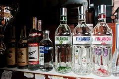 KYIV, UKRAINE - 25. MÄRZ 2016: Verschiedenes alkoholische Getränk-bott Stockfotografie