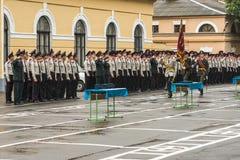 KYIV, UKRAINE, am 26. Mai 2017; Eine Zeremonie zu Ehren des Endes des Schuljahres im Militärlehrsaal von Ivan Bohun Stockbild
