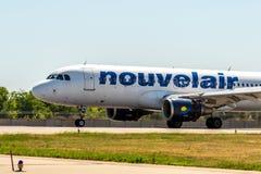 KYIV, UKRAINE - 26 MAI 2018 : Photo d'un avion de ligne aérienne de Nouvelair, qui est charte ou ligne aérienne régulière Cet avi Images libres de droits