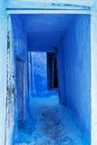 Kyla blå forntida arkitektur Arkivfoton