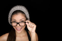 Kyla hipsterdeltagaren som ha på sig eyewearexponeringsglas Arkivbild