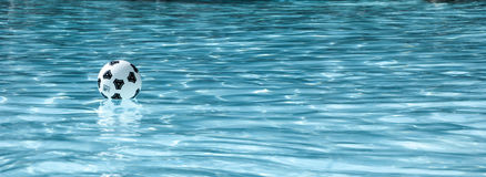 Kyla i vattnet royaltyfri foto