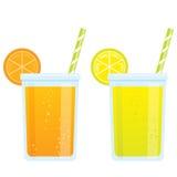 Kyla kalla förnyande drinkar för tecknad filmdrycker av apelsinen och l Arkivbilder