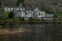 Kylemore修道院, Connemara,爱尔兰-在冬天期间 库存图片