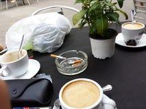 Kylig barcelona för Coffe cigarretter semester Royaltyfri Fotografi