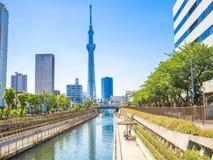 KYOTO, GIAPPONE - 5 LUGLIO 2017: Vista dell'albero 634m del cielo di Tokyo, il più alta struttura indipendente nel Giappone e sec Fotografia Stock Libera da Diritti