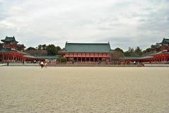 Kyoto Heian relikskrin i molnig dag Arkivfoto
