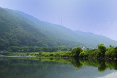 Kyoto Hozu-gawa iść w dół lato W górę scena Fotografia Stock