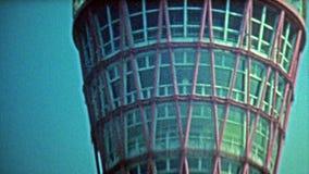 KYOTO, JAPÃO -1972: Construções civis da torre e do porto de Kyoto video estoque