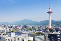 Kyoto Japan horisont på det Kyoto tornet Royaltyfria Foton
