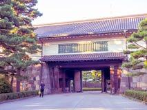 KYOTO, JAPAN - 5. JULI 2017: Kommen Sie von einem Tempel und von Zen Garden von Tenryu-ji, himmlisches Dragon Temple herein In Ky Lizenzfreie Stockfotografie