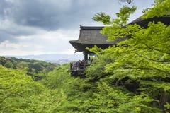 KYOTO JAPAN - MAJ 01, 2014: Kn för alson för Kiyomizu-dera relikskrintempel Royaltyfria Foton