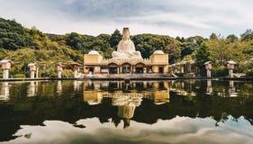 Kyoto, Japon, octobre 2017 : Inconnu tombé par temple de Ryozen Kannon images libres de droits