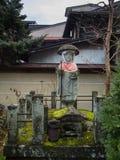 KYOTO JAPONIA, Grudzień, - 20 2016: Turyści wędrują sławną ulicę Obrazy Stock