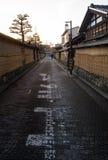 KYOTO JAPONIA, Grudzień, - 20 2016: Turyści wędrują sławną ulicę Zdjęcie Royalty Free
