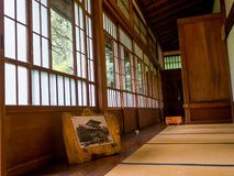 KYOTO JAPONIA, LIPIEC, - 05, 2017: Pokój zakrywający z tatami matą przy Tenryu-ji dalej w Kyoto Zdjęcia Royalty Free