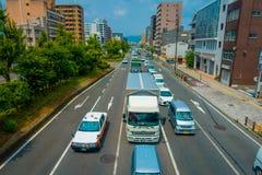 KYOTO JAPONIA, LIPIEC, - 05, 2017: Widok z lotu ptaka samochody na ulicie Kyoto w Japonia Kyoto metropolia jest jeden najwięcej Zdjęcia Stock