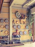 KYOTO JAPONIA, LIPIEC, - 05, 2017: Zamyka up Japanesse sztuka handmade w ścianie wśrodku świątyni w mieście Kyoto Zdjęcia Stock